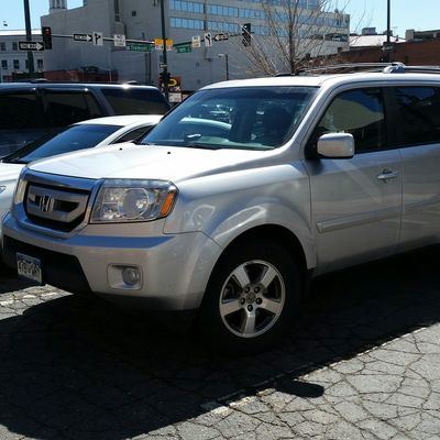 2011 Honda Pilot 2011 Honda PilotI have chosen to list this vehicle on Blinker Blinker offers ma